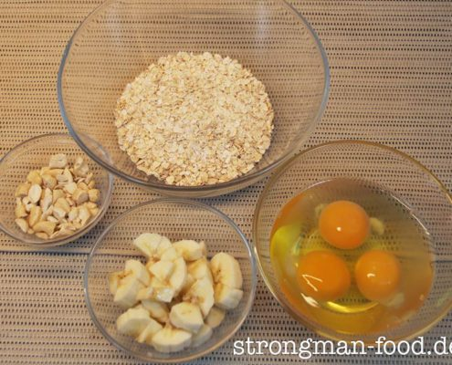 Zutaten für den Bananen / Cashew Haferpfannkuchen